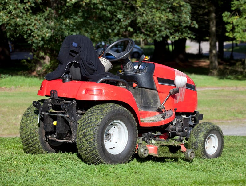 Illustration for article titled Lawn Mower Injured In Rand Paul Attack Returns To Work
