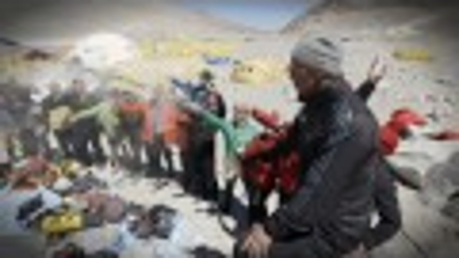 El escalofriante salto desde 7.200 metros de altura en el Everest