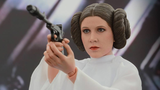 Illustration for article titled Hot Toys' Princess Leia Is On A Diplomatic Mission To Raid Your Wallet