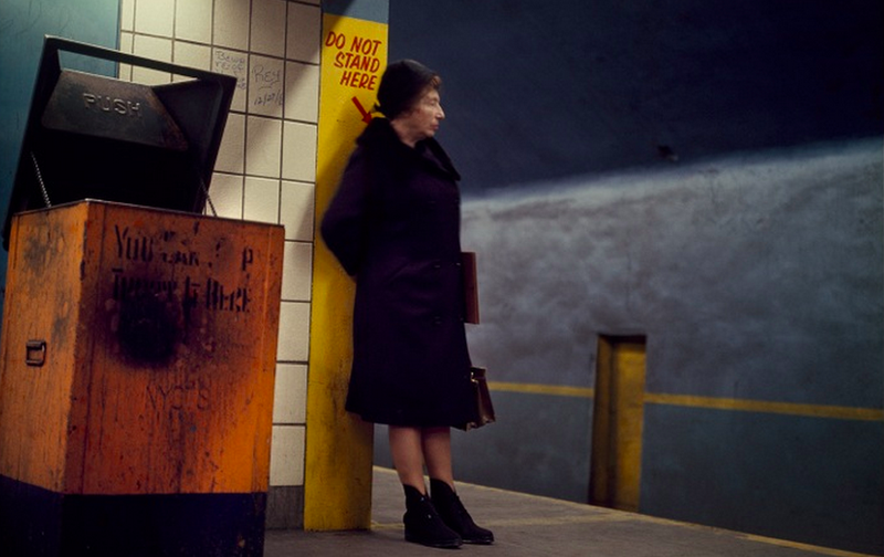 Illustration for article titled Rare Photos From 1966 Show the NYC Subway in Full Color