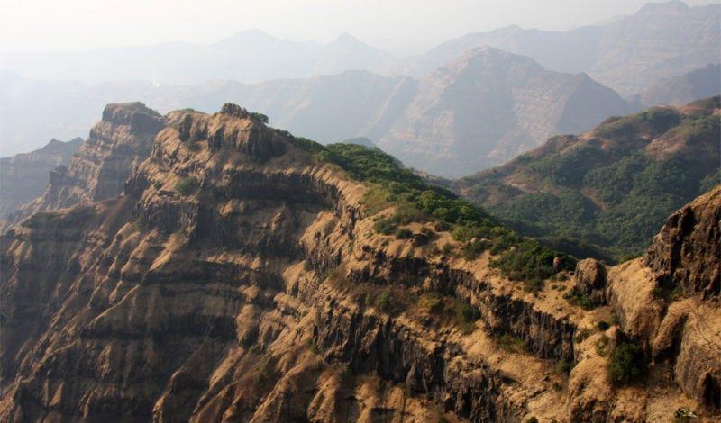 Las traps del Decán, una gran formación volcánica del centro-este de la India. Imagen: Mark Richards