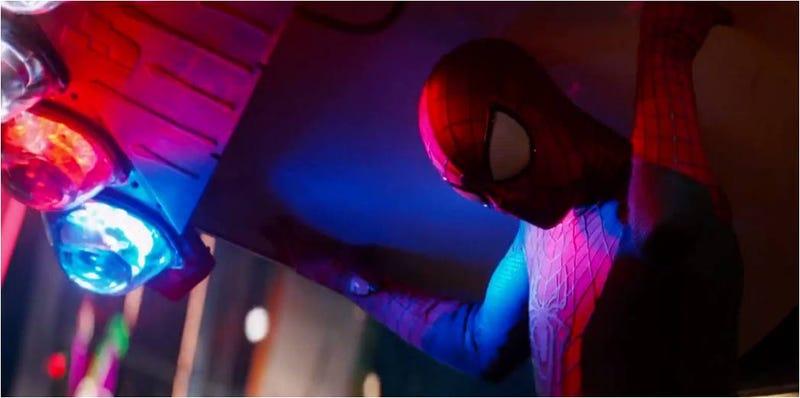 Illustration for article titled Stan Lee y Electro, en el nuevo tráiler de The Amazing Spider-Man 2