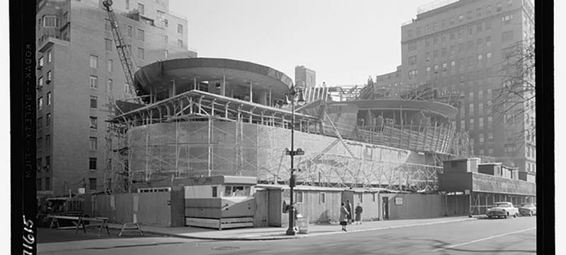 Illustration for article titled Rare Photos of NYC's Museums Under Construction