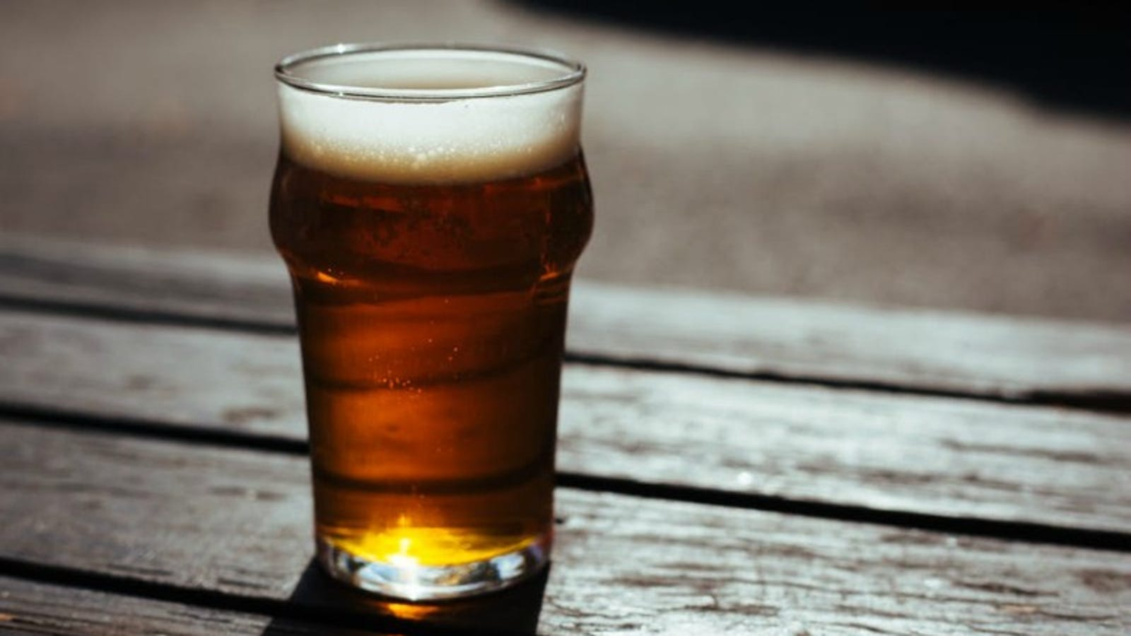 How and with what to drink beer correctly