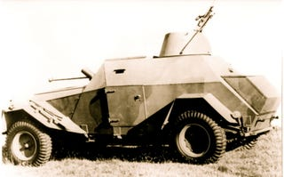 Illustration for article titled Humber Humber! It's The Lolita Reconnaissance Car!