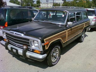 Illustration for article titled Low-Mileage Jeep Grand Wagoneer To Be Clunkerized