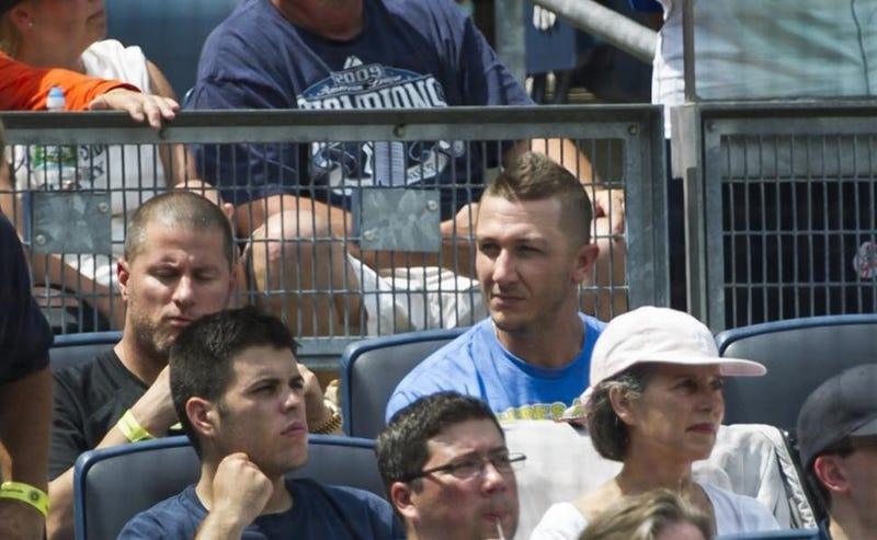 Illustration for article titled Troy Tulowitzki Went To A Yankees Game And Everyone's Freaking Out