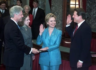 Illustration for article titled Did The Clintons Snub The Gores Over Chelsea's Wedding?