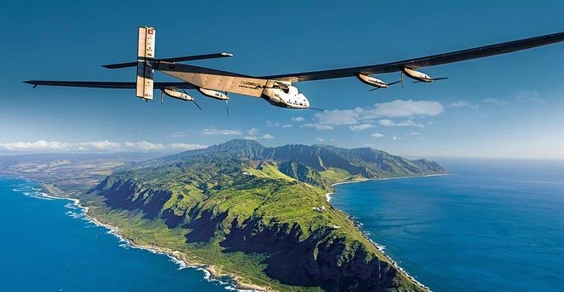 Illustration for article titled Solar Impulse aterriza tras batir el récord mundial de vuelo sin escalas
