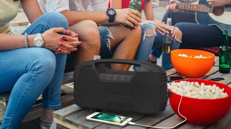 Altavoz Bluetooth AOMAIS GO 30W | $50 | Amazon | Usa el código AOMAISF5Foto: Amazon