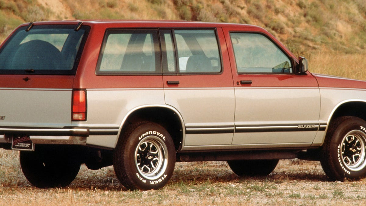 Must Read How Chevrolet Wronged The Pioneering S 10 Blazer 1983 K5 Black