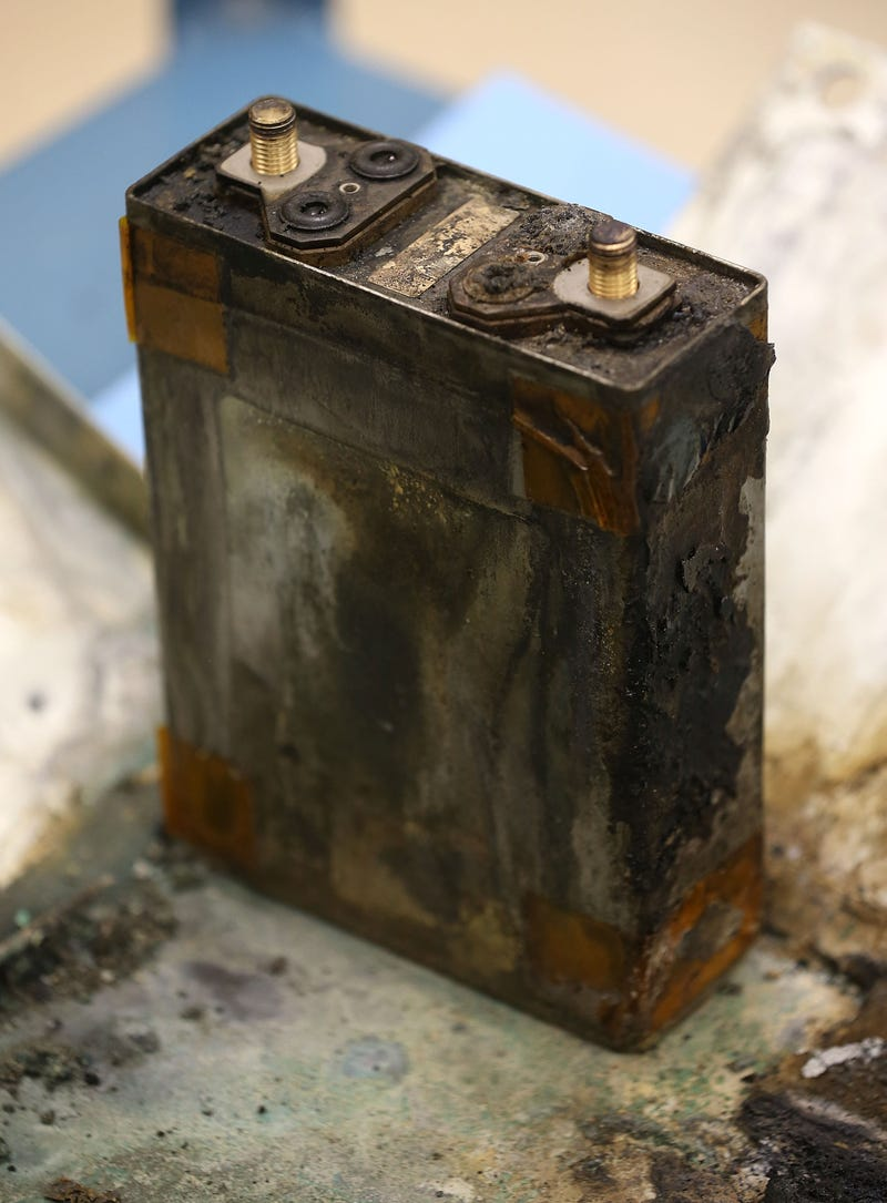 Illustration for article titled Hombre sufre quemaduras de segundo grado cuando la batería de su Galaxy Note se incendia