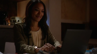 Illustration for article titled The Flash's Iris West Is The Worst Blogger Ever