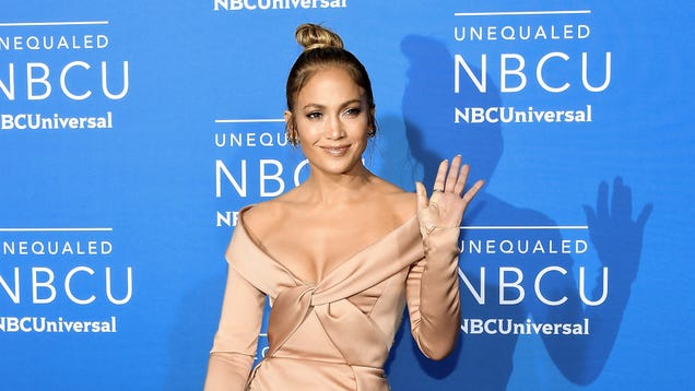 Jennifer Lopez to donate $1 million to hurricane victims in Puerto Rico