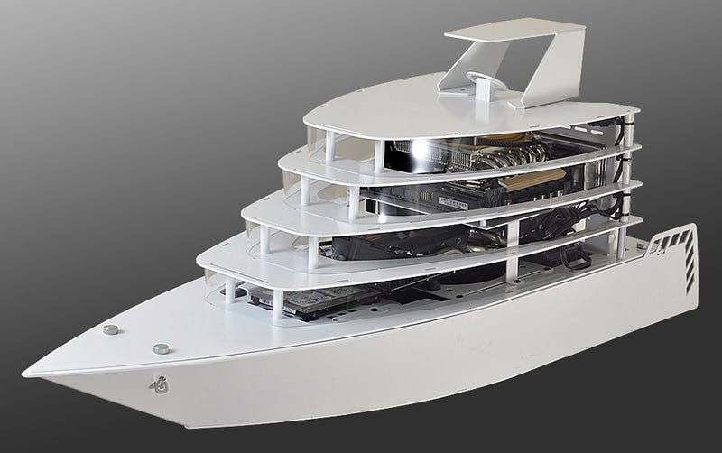 Illustration for article titled Your Next Tricked-Out Gaming PC Deserves a Luxury Yacht-Shaped Case