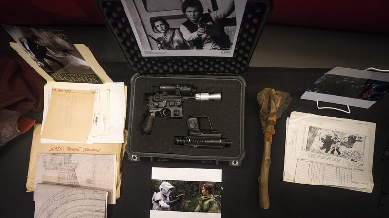 Illustration for article titled Han Solo's Return Of The Jedi blaster sold for $550,000 at an auction