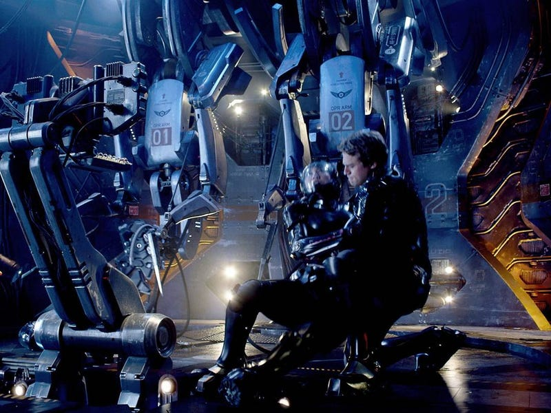 Illustration for article titled Pacific Rim gets a rave review from Rian Johnson, plus some stunning new images