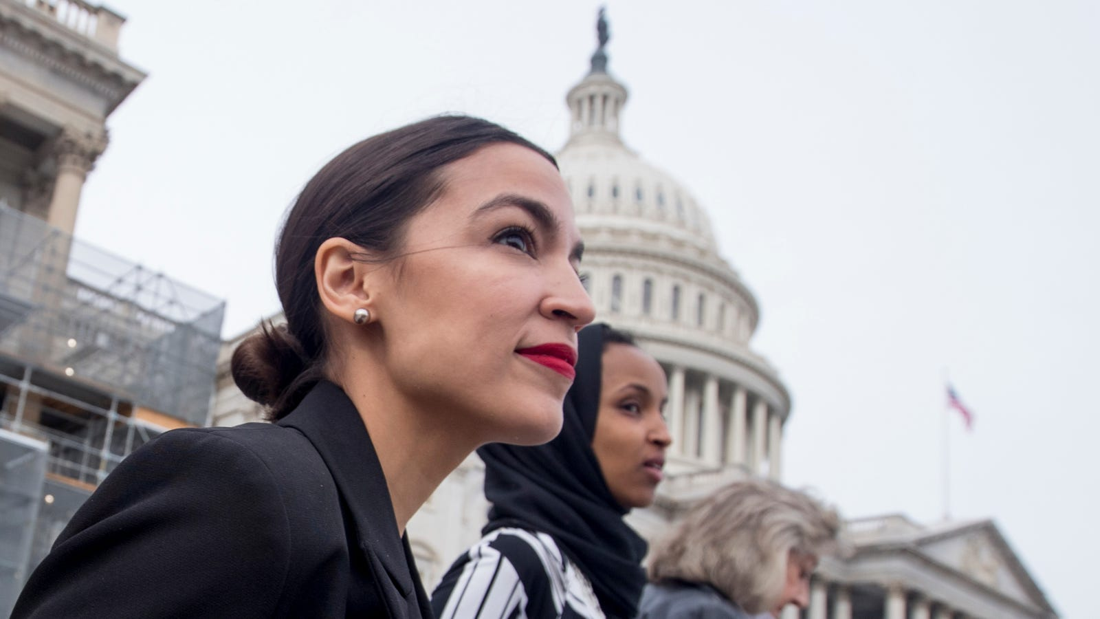 More Than 600 Environmental Groups Just Backed Ocasio-Cortez's Green New Deal