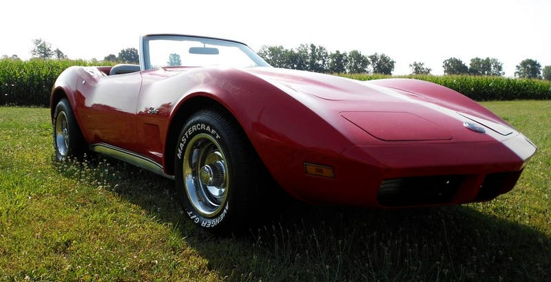 Illustration for article titled For $13,000, This 1974 Chevy Corvette Has The Week's Most Interesting Interior