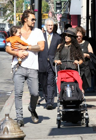 Illustration for article titled Lisa Bonet Makes Eyes With Adorable Baby
