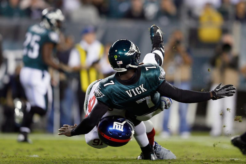 Illustration for article titled Marcus Vick Is Begging The Eagles To Trade Mike Vick On Twitter Right Now