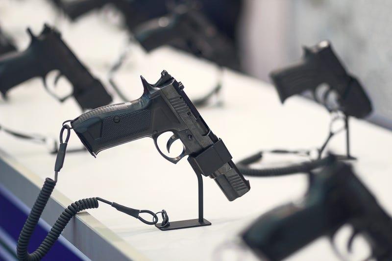 Para Guru di Florida Bakal Diizinkan Bawa Senjata di Kelas
