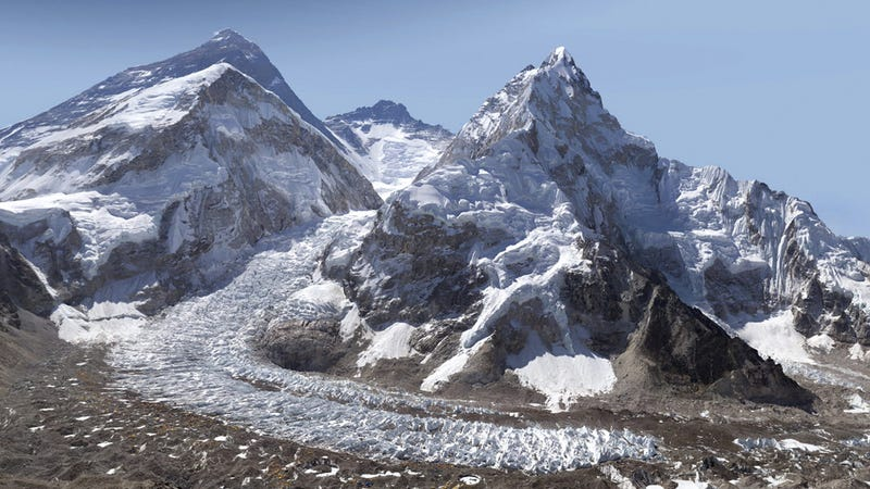 Illustration for article titled A Stunning Four Billion Pixel Photo Is the Safest Way To Explore Mount Everest