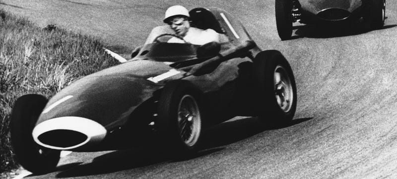 Illustration for article titled Why Stirling Moss Gave Up His One Shot At An F1 Championship