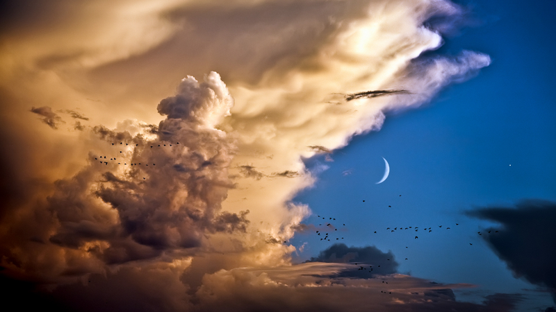 Illustration for article titled As the storm breaks, the Moon and Venus converge