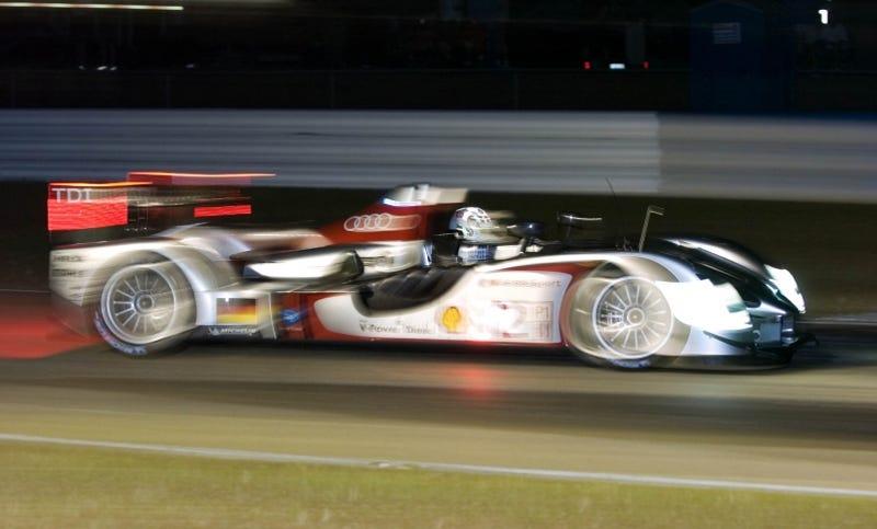 Illustration for article titled Audi R15 TDI Wins 12 Hours Of Sebring