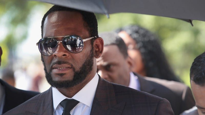 Illustration for article titled R. Kelly Headed to New York to Face Racketeering, Sex Crime Charges