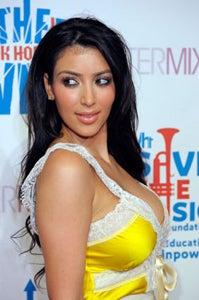 Illustration for article titled Kim Kardashian...Stylist?!