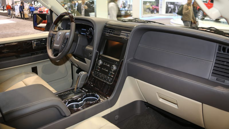 2015 Lincoln Navigator Still Ugly But Super Comfy