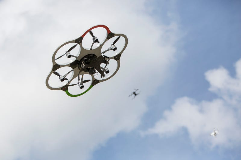 Trump signs bill reinstating required drone registration
