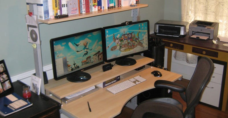 Illustration for article titled Lifehacker Workspaces: Adam Pash Edition