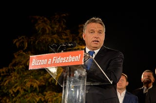 Illustration for article titled És vajon miről fog ma beszélni a Parlamentben Orbán Viktor?