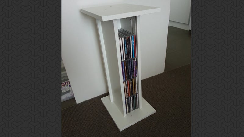 Illustration for article titled These DIY Speaker Stands Add Useful Storage to Small Spaces