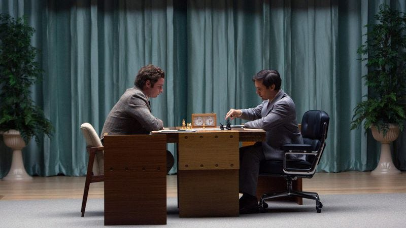Illustration for article titled Chicago, win tickets to see Tobey Maguire as chess champ Bobby Fischer in Pawn Sacrifice