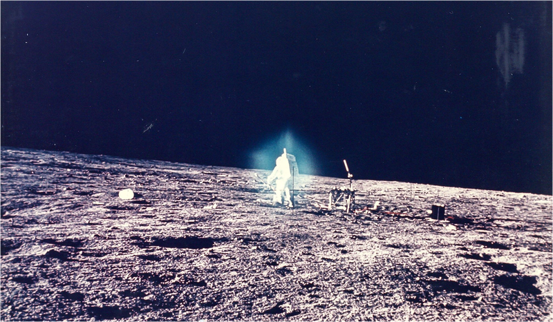 Illustration for article titled Increíbles (y pésimas) fotos de la Luna que no verás en los libros