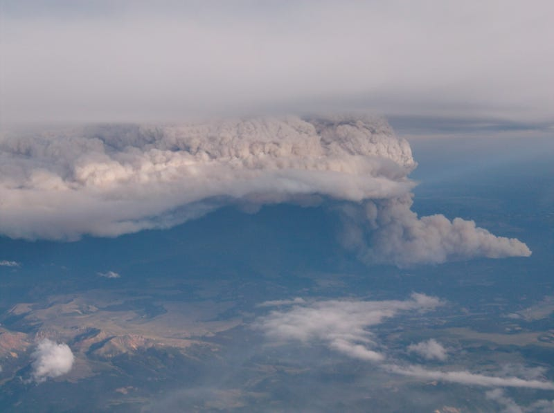 Illustration for article titled West Park fires now up to 90,000 acres and completely uncontained