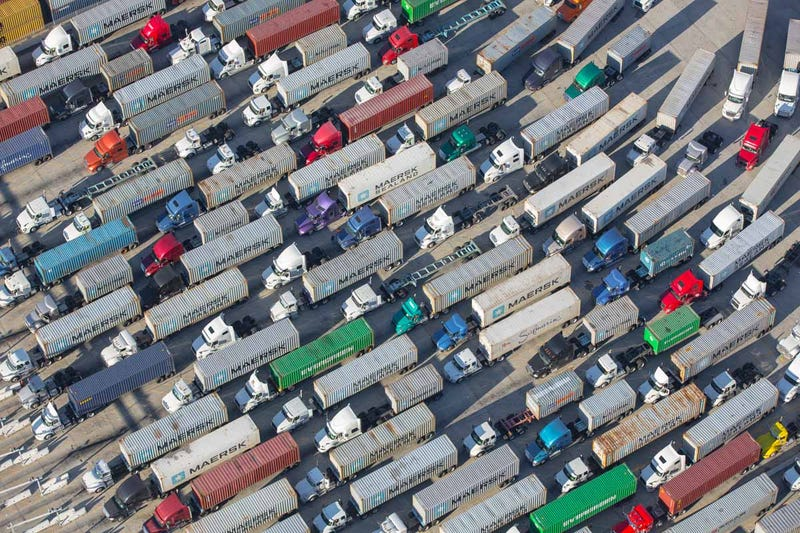 Illustration for article titled This Is What Gridlock at the Biggest Port In America Looks Like