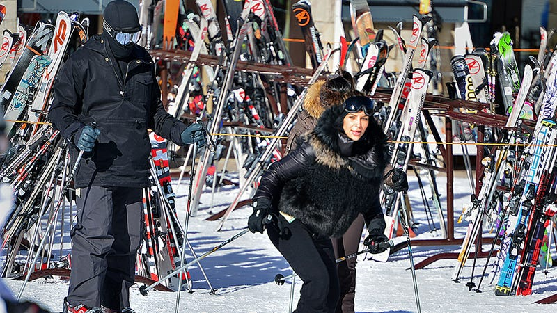 Illustration for article titled Kanye Goes Skiing With Kim and Enjoys the View