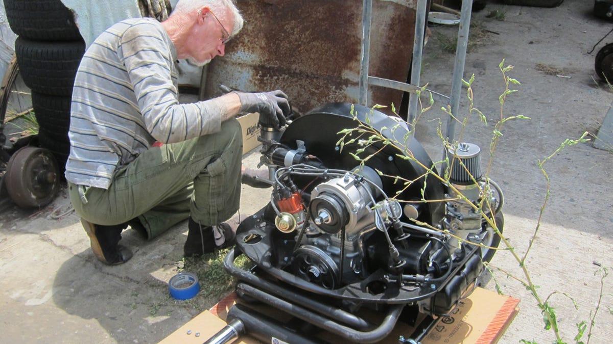 Its Back In The How To Put An Engine A Vintage Beetle 1971 Vw Super Wiring Diagram Autos Post