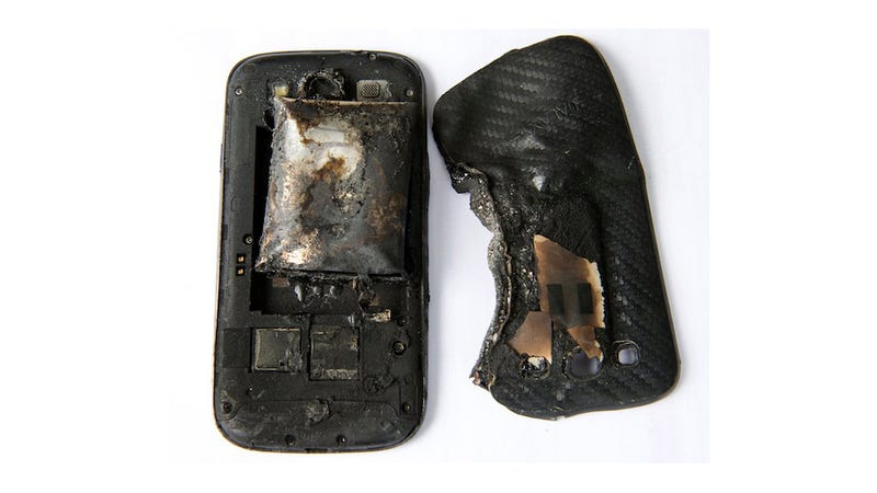 Illustration for article titled This Is What Happens When a Phone Explodes on Your Leg *GRAPHIC*