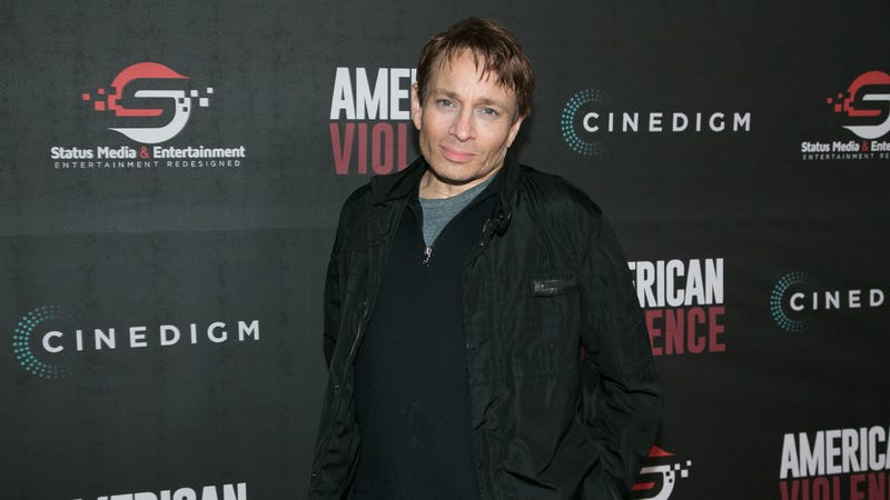 Illustration for article titled Chris Kattan says he broke his neck while filming a Saturday Night Live sketch back in 2001