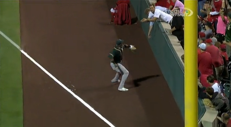 Yoenis cespedes gets howie kendrick out at home with a for Howie at home