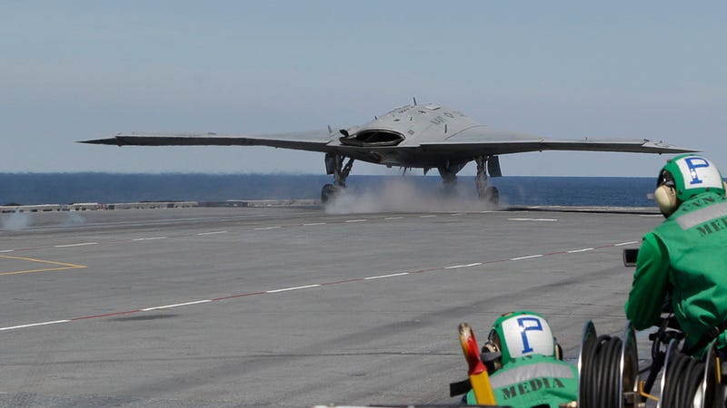 Illustration for article titled The Navy's X-47B Drone Has Taken Off From a Carrier For the First Time