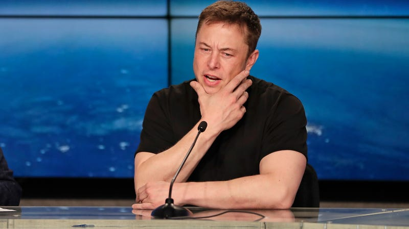 Illustration for article titled Elon Musk Tried to 'Destroy' a Whistleblower, Spies on Employees and Unions: Report