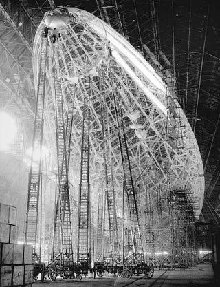 Illustration for article titled Hindenburg, 1932