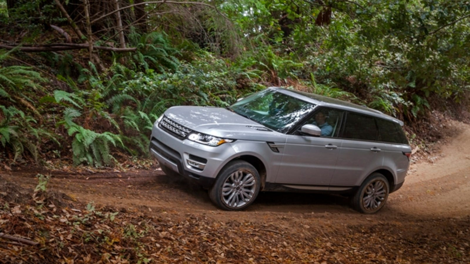 land rover 39 s 2014 range rover sport wins petersen 39 s 4 wheel off road magazine 4x4 of the year. Black Bedroom Furniture Sets. Home Design Ideas